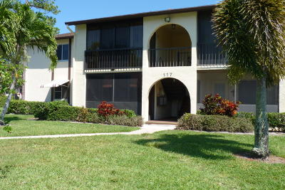 Greenacres Condo For Sale: 117 Lake Pine Circle #A-2