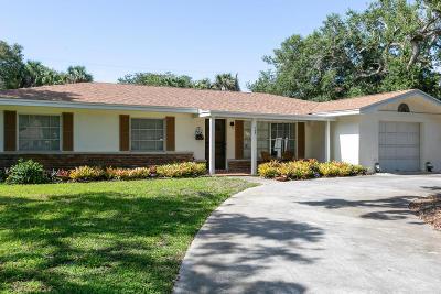 Vero Beach Single Family Home For Sale: 702 Banyan Road