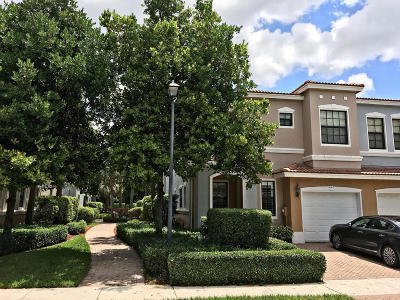 Delray Beach Townhouse For Sale: 227 W Chrystie Circle W