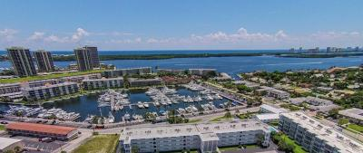 North Palm Beach Condo For Sale: 907 Marina Drive #108