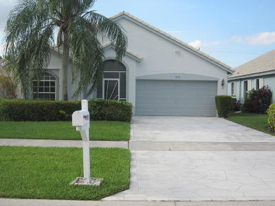 Delray Beach Single Family Home For Sale: 7612 Stirling Bridge Boulevard