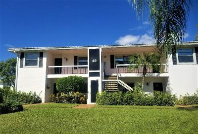 Boynton Beach Condo For Sale: 49 Stratford Lane #D