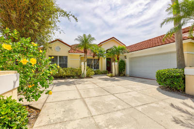 Palm Beach Gardens Single Family Home For Sale: 111 Golfview Court