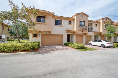 Coconut Creek Townhouse Contingent: 4751 Grand Cypress Circle #4751