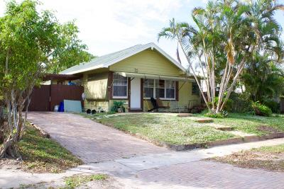 West Palm Beach Multi Family Home For Sale: 424 Colonial Road