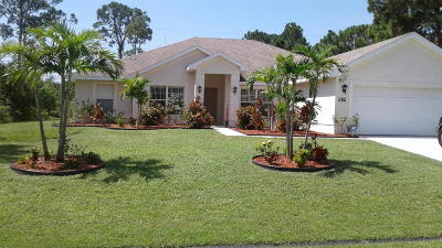 Port Saint Lucie Single Family Home For Sale: 152 SW Pilsner Cir