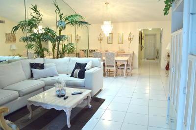 Boynton Beach Single Family Home For Sale: 10052 Shadywood Place