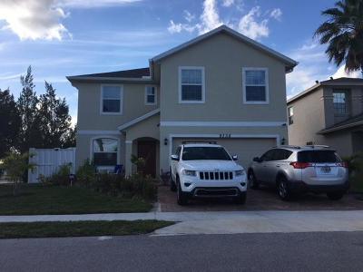 Fort Pierce Single Family Home For Sale: 9328 Treasure Coast Drive