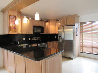 Boca Raton Single Family Home For Sale: 8505 Boca Rio Drive #8505