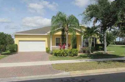 Port Saint Lucie Single Family Home For Sale: 10509 SW Waterway Lane