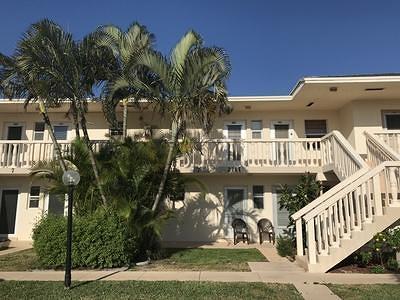 Boynton Beach Condo For Sale: 2111 NE 1st Court #203