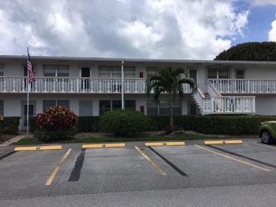 West Palm Beach Condo For Sale: 19 Kent B #B