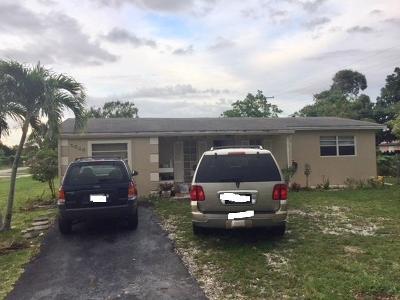 Greenacres Single Family Home For Sale: 5648 S 37th Street
