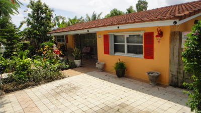 Deerfield Beach Single Family Home For Sale: 120 SE 11th Street