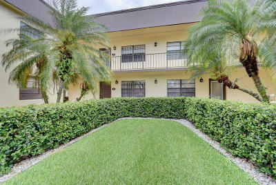 Delray Beach Condo For Sale: 210 Capri E