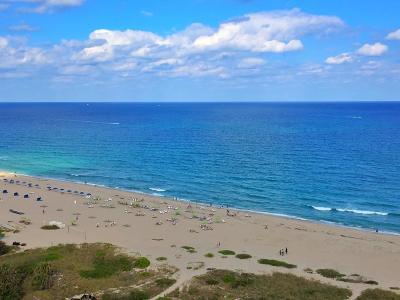 Singer Island Condo For Sale: 3000 Ocean Drive #18-B