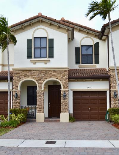 Doral Townhouse For Sale: 9841 NW 88th Terrace