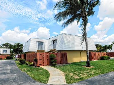 Boca Raton Townhouse For Sale: 22232 Boca Rancho Drive #D