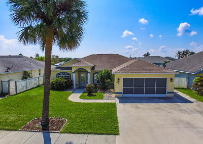 Fort Pierce Single Family Home For Sale: 1321 Carlton Court