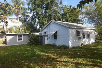 West Palm Beach Single Family Home For Sale: 105 E Chandler Road