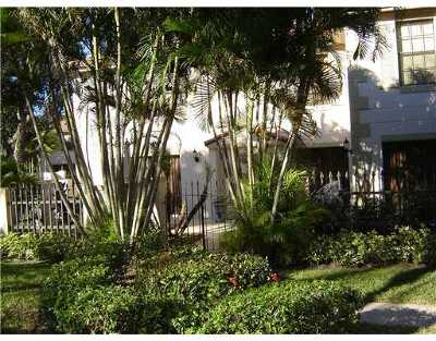 Palm Beach Gardens Rental Contingent: 355 Prestwick Circle #4