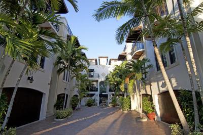 Delray Beach Townhouse For Sale: 65 NE 4th Avenue #E