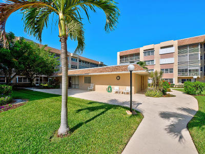 Lake Worth Condo For Sale: 1516 S Lakeside Drive #117