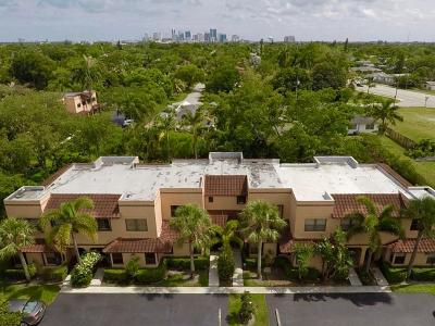 Fort Lauderdale Townhouse For Sale: 180 NE 17th Court #902