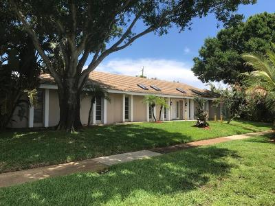 North Palm Beach Single Family Home For Sale: 1981 Ascott Road