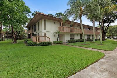 Palm Beach Gardens Condo For Sale: 133 Brackenwood Road