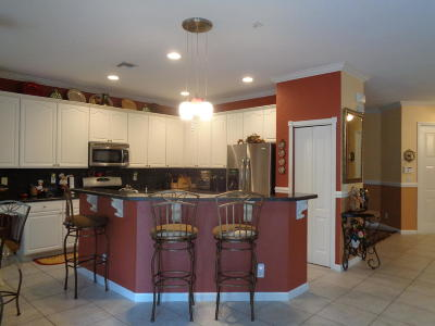 Royal Palm Beach Single Family Home For Sale: 135 Newberry Lane