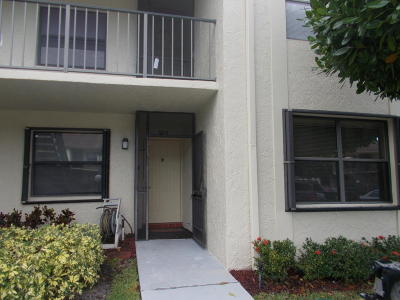 Lake Worth Condo For Sale: 7831 Willow Spring Drive #512
