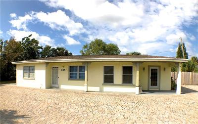 Vero Beach Single Family Home For Sale: 845 Old Dixie Highway