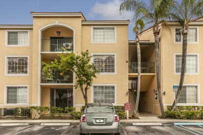 West Palm Beach Condo For Sale: 1749 Village Boulevard #203