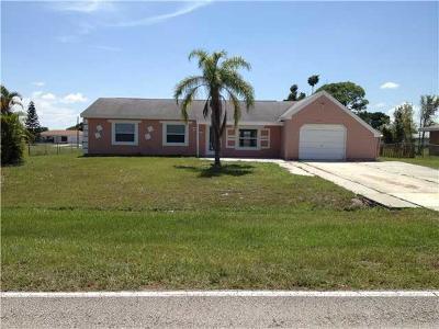 Port Saint Lucie Single Family Home For Sale: 373 SW Tulip Boulevard