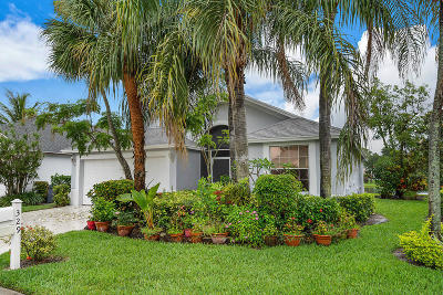 Greenacres Single Family Home For Sale: 329 Hammocks Trail