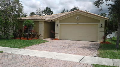 Port Saint Lucie Single Family Home For Sale: 2031 SW Marblehead Way