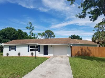 Fort Pierce Single Family Home For Sale: 5612 Hickory Drive
