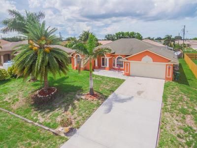 Port Saint Lucie Single Family Home For Sale: 621 SW Saragossa Avenue