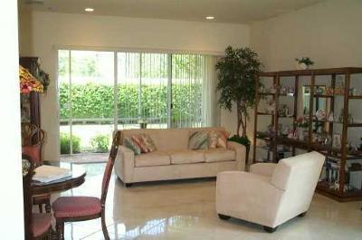 Boynton Beach Condo For Sale: 6351 Bella Circle #805