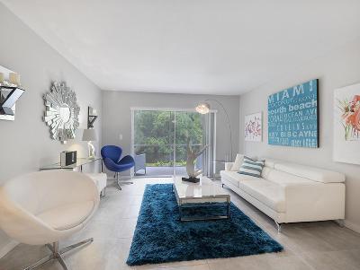 West Palm Beach Condo For Sale: 235 Lake Frances Drive