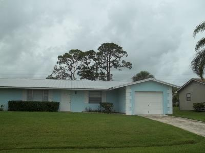 Port Saint Lucie Single Family Home For Sale: 1662 SE Mistletoe Street SE