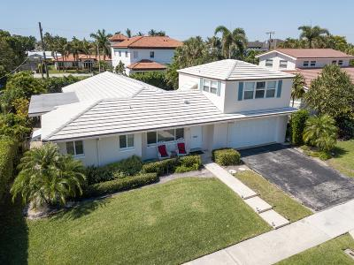 West Palm Beach Single Family Home For Sale: 158 Worth Court S