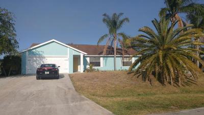Port Saint Lucie Single Family Home For Sale: 491 SW Cahoon Court