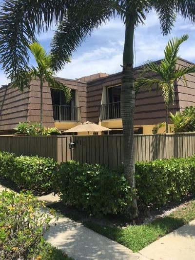 Palm Beach Gardens Townhouse Contingent: 411 4th Court