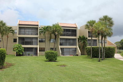 Weston Condo For Sale: 240 Lakeview Drive #307