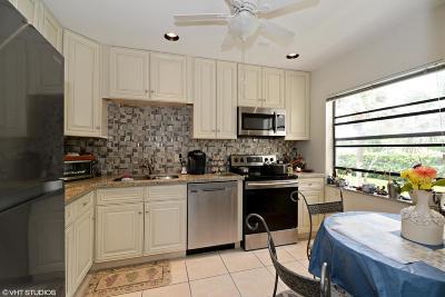 Boca Raton, Delray Beach, Boynton Beach Condo For Sale: 21803 Arriba Real #13-D