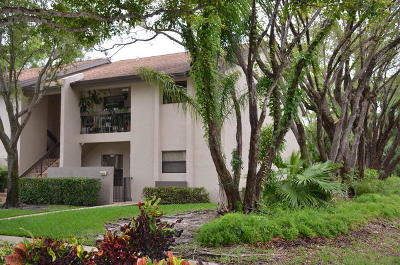 Coconut Creek Condo For Sale: 4061 NW 22nd Street #220c