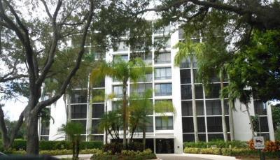 Boca Raton, Delray Beach, Boynton Beach Condo For Sale: 7786 Lakeside Boulevard #686