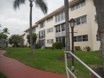 Boca Raton Condo For Sale: 5951 Wellesley Park Drive #102